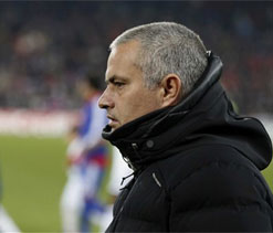 We should have killed the game at Stoke, says Mourinho