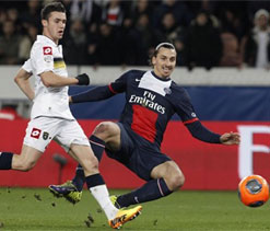 Ibrahimovic on fire as PSG demolish Sochaux
