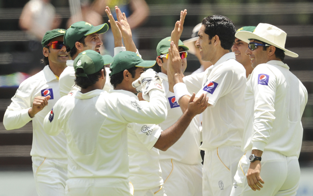 1st Test, Day 1: Pakistan on top after Hafeez picks 4 to bowl Proteas out for 253