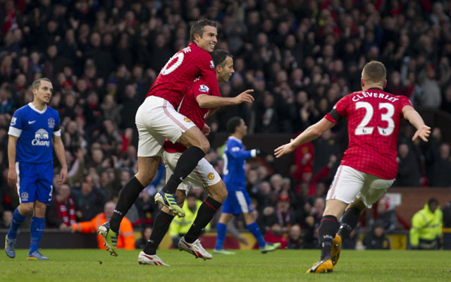 EPL: Ryan Giggs & Robin Van Persie move Manchester United 12 points clear at the top