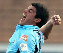 Moises Henriques happy with bowling show