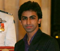 Pankaj Advani, Aditya Mehta to play in Snooker Masters 2013