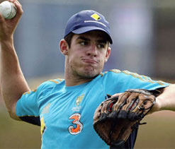 ``Debutant`` Moises Henriques says legs turned to jelly while entering field to bat