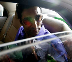 Wasim Akram steps down from KKR bowling coach`s post