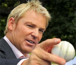 Shane Warne gives Australian team management a pep talk