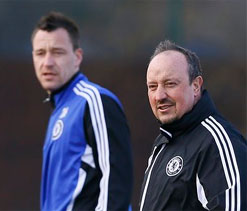 Rafael Benitez denies talk of a dressing room rift at Chelsea