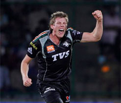 James Faulkner fined for clash with Gayle
