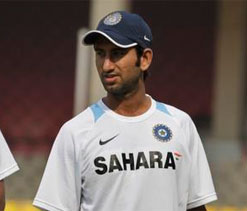 Pujara gets hit on the knee as Team India regroup for training