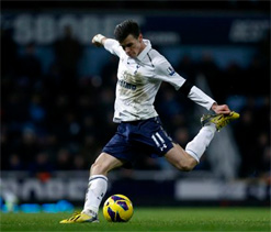 Spurs ask near world record fee from United for Bale