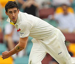 There wasn`t much bowlers could do on flat track: Starc