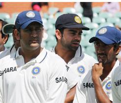 Dhoni eyes Australia`s whitewash in Delhi