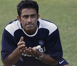 Kumble looking forward to clean sweep by India