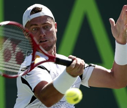 James Blake, Lleyton Hewitt advance in Sony Open