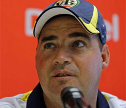 Mickey Arthur defends suspension of four players