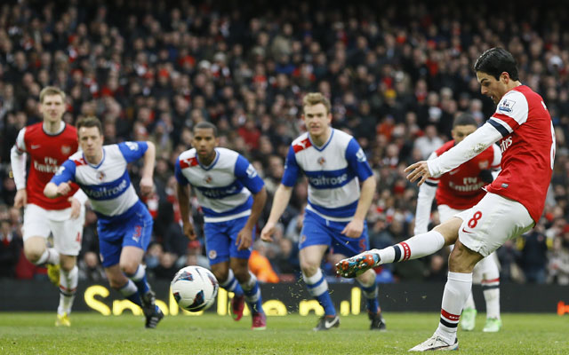 Cazorla & Gervinho on target as Arsenal spank Reading