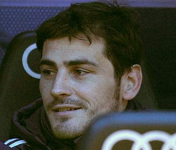 Casillas is a great captain: Van der Sar