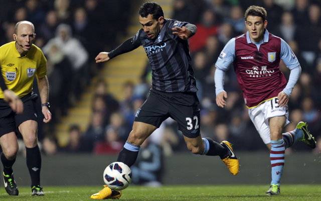 Carlos Tevez strikes to keep Manchester City's title hopes alive