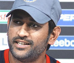Dhoni lauds good, all-round show by team