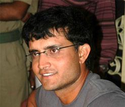 Sourav Ganguly praises MS Dhoni for breaking his captaincy record