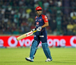 Dew factor led to recurrence of Sehwag`s back problems