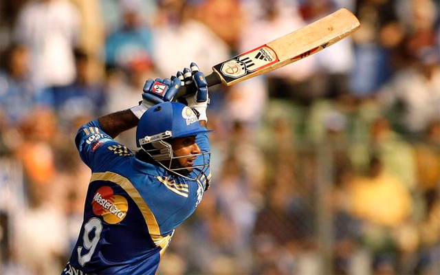 IPL 2013: Bowlers shine as Mumbai complete easy win over Pune
