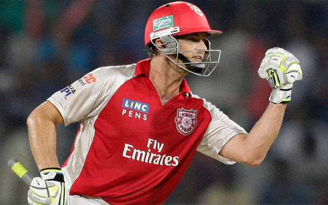 IPL 2013: Gilchrist powers Kings XI Punjab to 7-wicket win vs RCB