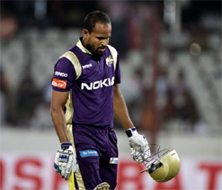 Yusuf Pathan first IPL batsman to get obstructing the field decision