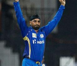 Kumble`s encouraging words helped me bowl better: Harbhajan