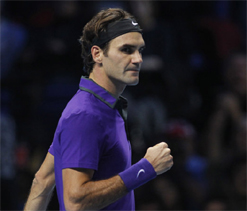 Roger Federer sails into second round at French Open