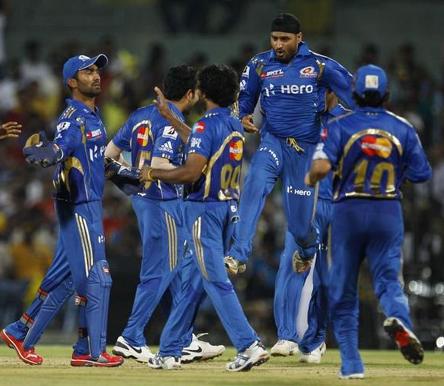 IPL 2013: Mumbai beat Chennai to lift maiden IPL title