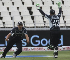New Zealand duo gets early IPL release for England