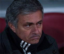 Mourinho set for `emotional` Chelsea return in 10 mln pound-deal