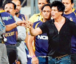 Lift ban on Shah Rukh Khan, he is not a terrorist: Raj Thackeray