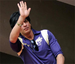 MPCC appeals MCA to lift ban on SRK from entering Wankhede