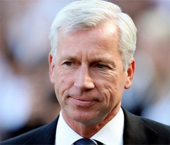 I`m staying, says Newcastle`s Alan Pardew