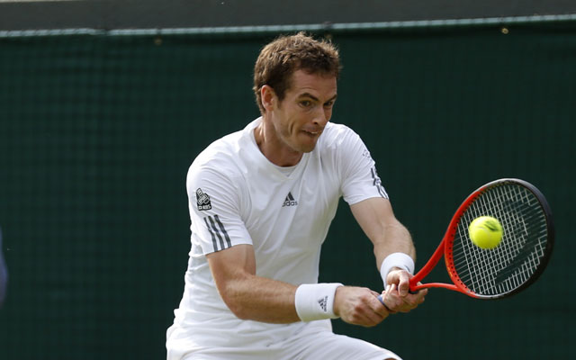 Unscathed Murray into Wimbledon third round
