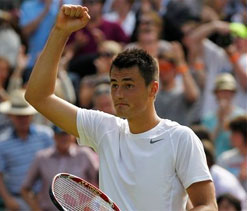 Bernard Tomic thanks absent father for good run in tournament
