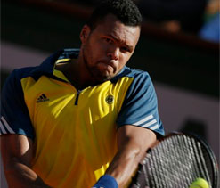 Tsonga beats Federer to reach French Open semi-finals