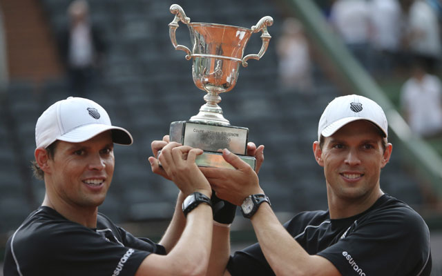 French Open: Bryan brothers clinch men's doubles title
