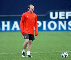 Chelsea make bid for Manchester United`s Wayne Rooney