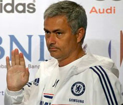 Chelsea would not have to sell to buy Rooney: Mourinho