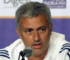 `Once-feuding` Mourinho, Wenger now `bosom buddies`!