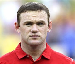 Angry Man Utd fans boo Rooney for wanting Chelsea transfer