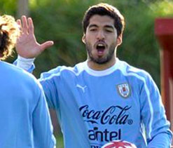 Arsenal to surprise Liverpool with Suarez bid in January