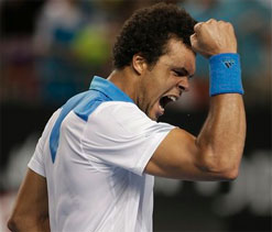 Australian Open 2014: Tsonga profits from rare outdoor-indoor switch