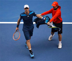 Muttering Murray lops Lopez to move into fourth round