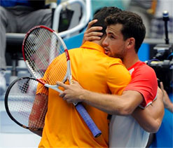 Dimitrov bounces out Raonic at Melbourne Park