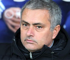 Mourinho writes off United`s title chances