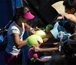 Asian Li Na keeping the host flag high in the Grand Slam of Asia/Pacific