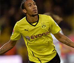 Aubameyang header puts Dortmund in cup semis